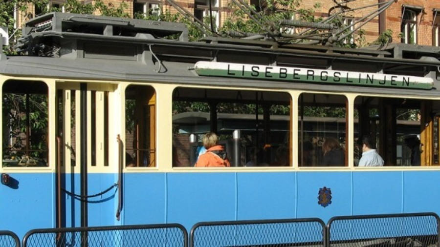 retro-tram-stockholm-img-1024x341 (1)