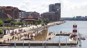 Islands-Brygge-harbour-bath-summer_resized