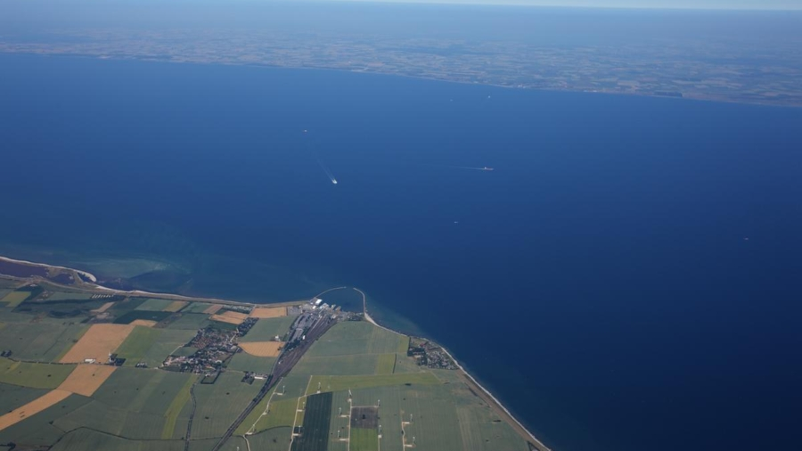 Luftfoto over Femern Bæltet taget fra den tyske side på Fehmarn. Billede fra 2008.  Aerial photo of the Fehmarnbelt taken from the German side on Fehmarn. Photo taken 2008.  Luftbild über den Fehmarnbelt von Fehmarn aus. Aufnahme 2008.